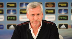 Pardew chasing Europa win