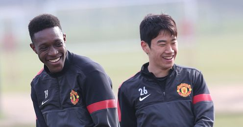 DANNY WELBECK SHINJI KAGAWA MANCHESTER UNITED CHAMPIONS LEAGUE TRAINING FOOTBALL