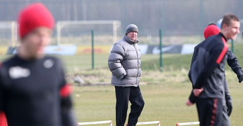 SIR ALEX FERGUSON MANCHESTER UNITED CHAMPIONS LEAGUE TRAINING FOOTBALL