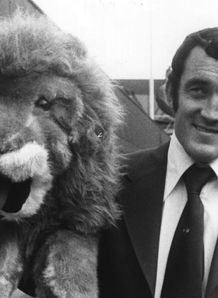 1977 - British Lions captain Phil Bennett