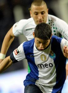 Europa League: Porto prevail in 3-3 draw with Eintracht Frankfurt