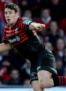 Joel Tomkins of Saracens looks for support