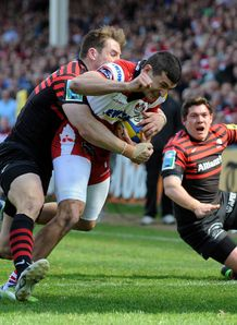 Jonny May of Gloucester on his way to scoring v Saracens