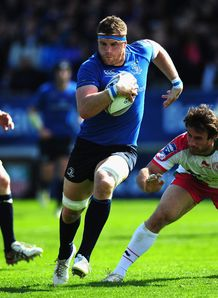 Leinster number eight Jamie Heaslip going through a gap