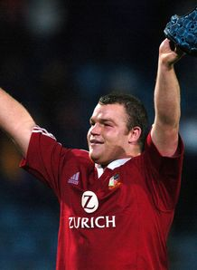 Prop Matt Stevens thanks the crowd Lions 2005