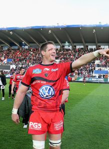Toulon lock Bakkies Botha after win