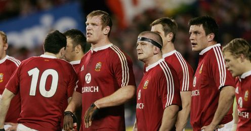 2005 - British and Irish Lions look disappointed after losing the third Test match