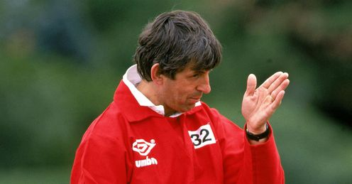 1989 - British Lions coach Ian McGeechan takes a training session