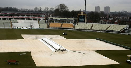 Edgbaston rain delay LV= County Championship