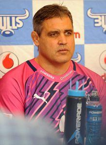 Frans Ludeke Bulls boss 2013