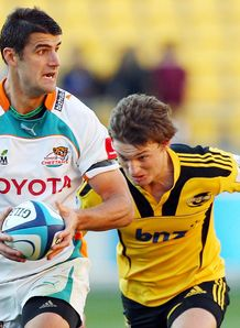 Hennie Daniller on a run for Cheetahs