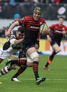 Saracens flanker Kelly Brown on a run