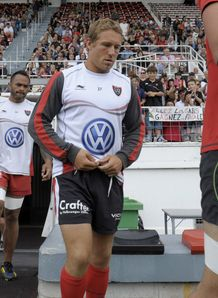 Toulon s fly half Jonny Wilkinson takes part in a training session