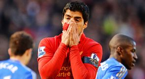 Liverpool must hold on to Suarez