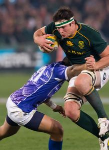 Francois Louw taking contact for Springboks