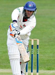 LV= County Championship: Lancashire close in on Worcestershire