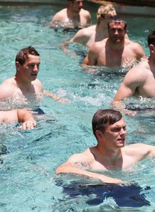 SKY_MOBILE British and Irish Lions in swimming pool