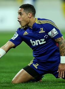 aaron smith highlanders hurricanes