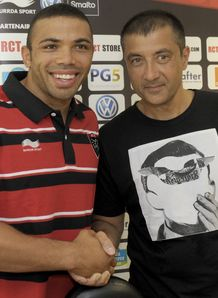 Bryan Habana of South Africa L shakes hand Toulon president Mourad Boudjellal