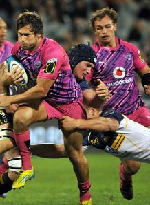 Jan Serfontein taking it up for the Bulls