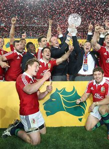 Lions with trophy 2013