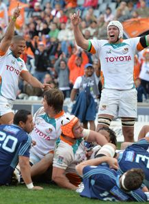 Ryno Benjamin and Lappies Labuschagne celebrating Cheetahs v Blues 2013
