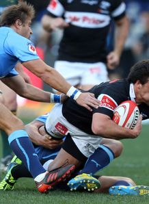 Heimar Williams of the Sharks scores v Blue Bulls Currie Cup