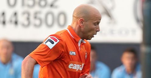 Luton draw with Colchester