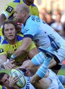 Clermont s South African flanker Gerhard Vosloo v Bayonne