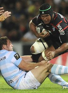 Toulouse flanker Thierry Dusautoir R v Racing Metro