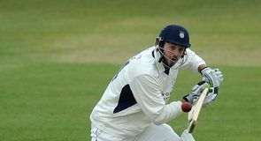 Hampshire promote Vince