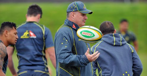 Ewen McKenzie at Wallaby training