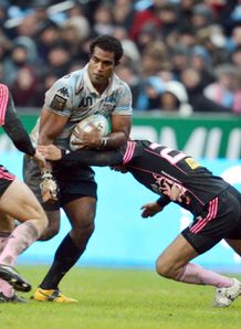 Racing Metro Fidji s number eight Masi Matadigo v Stade Fran ais