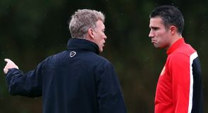 Will Moyes sell Van Persie?