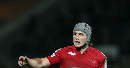 Davies signs Clermont deal
