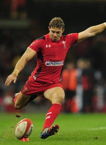 leigh halfpenny wales
