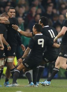 All Blacks celebrate v Ireland 2013