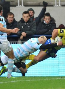 Clermont s French hooker Benoit Cabello scores v Racing