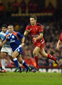 Dan Biggar passing for Wales