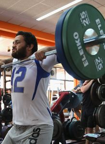 Piri Weepu lifting weights