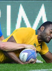 Tevita Kuridrani scoring for Australia