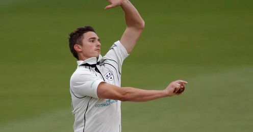 Jones seals Warwickshire move
