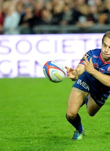 James Hart passing for Grenoble