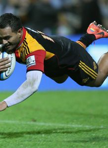 Lelia Masaga of the Chiefs dives in for a try