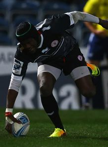 Taku Ngwenya scoring for Biarritz
