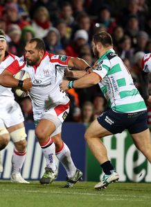 Ulster s John Afoa breaks free from Treviso