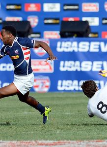 Carlin Isles on a run at USA Sevens