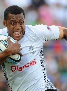 Samisoni Viriviri of Fiji runs in for a try