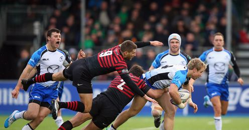 Richard Wigglesworth and Schalk Brits of Saracens tackle Fionn Carr of Connacht