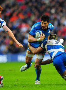Alessandro Zanni taking it up for Italy in Six Nations